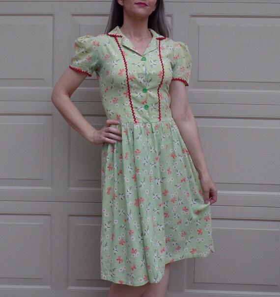 1930s 30s GREEN DAY DRESS shirtwaist as-is xs S (D