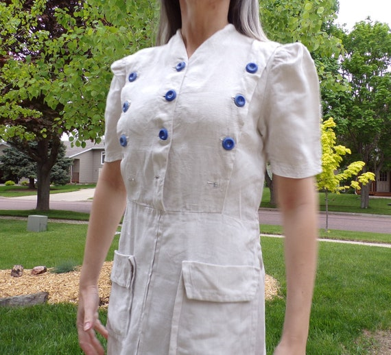 30s 40s bavarian LINEN WORK DRESS with blue button