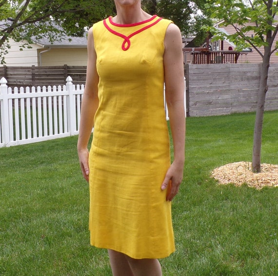 bright yellow MOD SHIFT DRESS sleeveless summer S - image 1