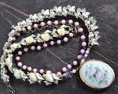 Porcelain brooch Necklace...