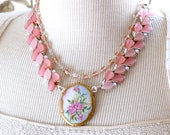Porcelain brooch Necklace...