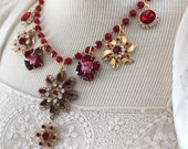 Red Carpet necklace assem...