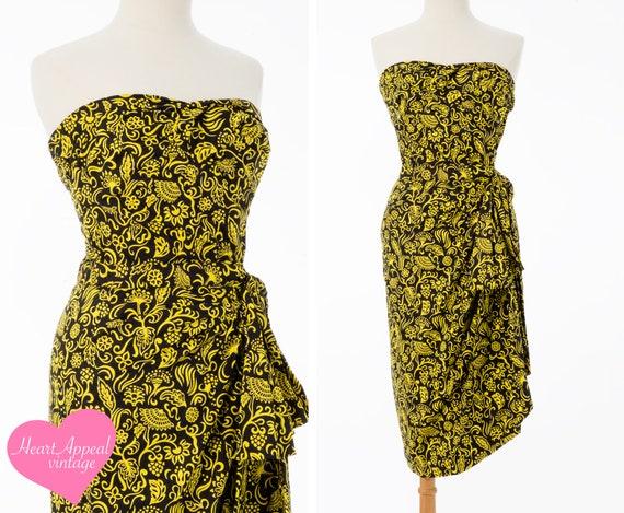 Vintage 1950s 40s Hawaiian Dress // Bold Black Yel