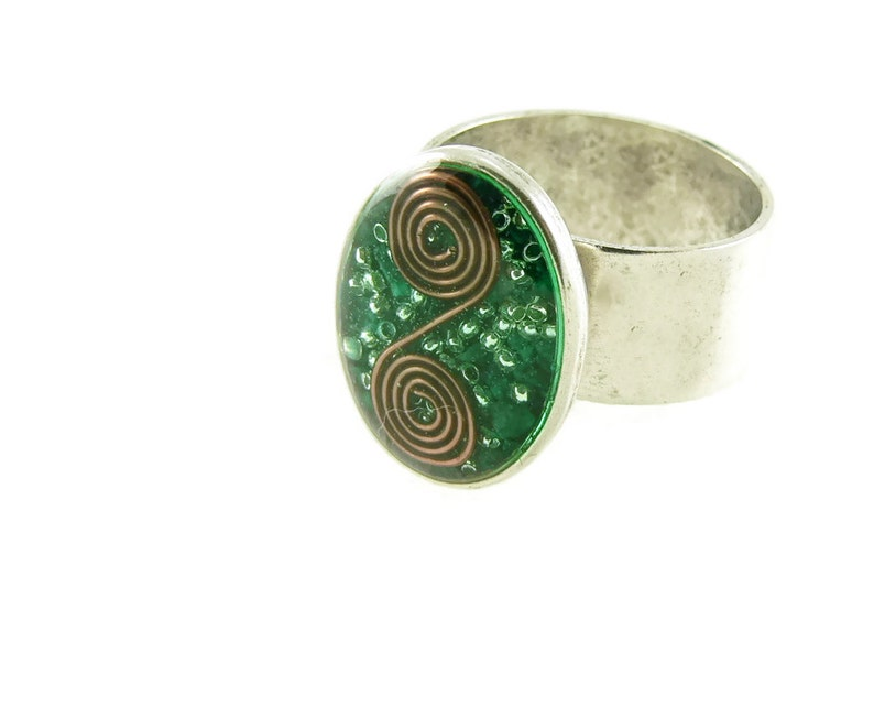 Orgone Energy Ring with Malachite  Simple Oval Cocktail Ring image 0