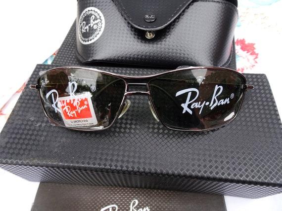 Ray Ban Sun Glasses in box