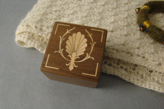 Ring Box with Inlaid Shell Fan. Free Shipping and Engraving. RB-20