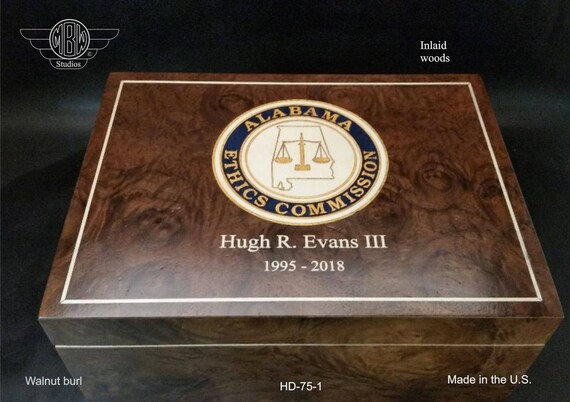 Humidor Handcrafted in the U.S - Free Engraving and Free Shipping in the U.S.  HD75-1