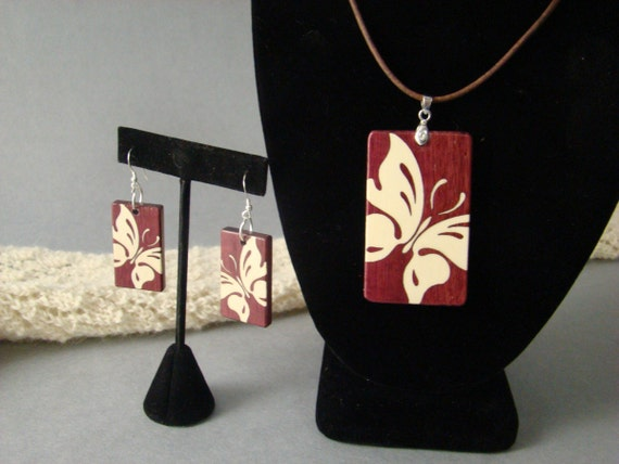Butterfly pendent with matching earrings of Purple heart and Holly w/free shipping.