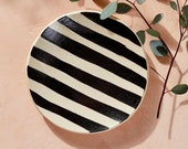 House of Harlow 1960 Creator Collab - Black and White Striped Circle Tray