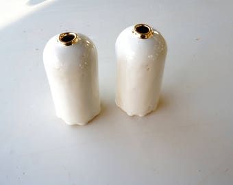 White and gold porcelain bud vase. Porcelain ceramic flower vase. The Object Enthusiast. Gold ceramics. Valentine's Day gift. Home decor.