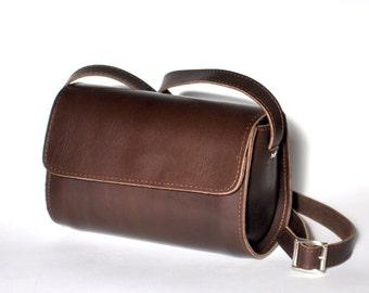 Large leather barrel purse / Women distressed brown leather clutch / Croosbody / Shoulder bag /