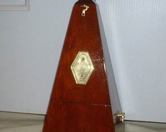 Antique Metronome de Maelzel by Seth Thomas Clocks, in Mahogany, Model No 5, Fully Serviced, Calibrated, Runs Great. Has Solid Brass Trim