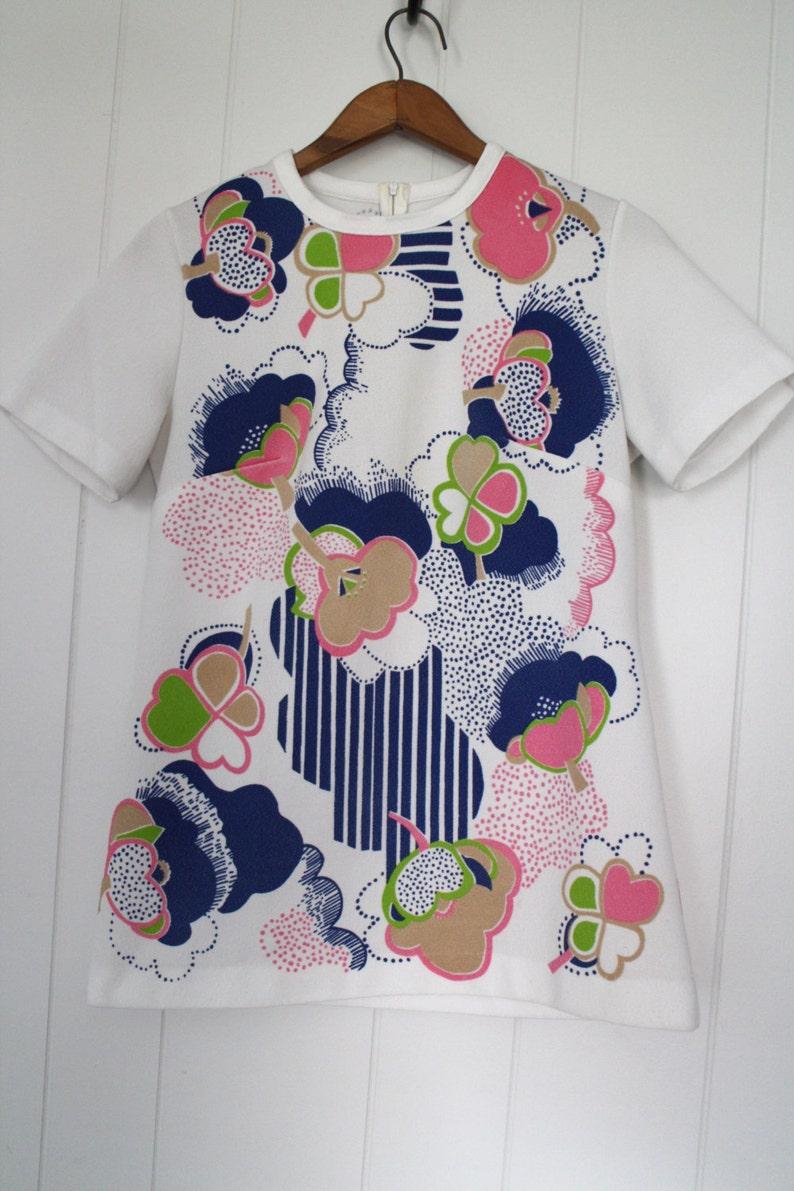 Vintage 1960/'s Flowered Short Sleeve Pullover Top Abstract Multicolor Summer Retro Flowered Shirt Form Fitting  Medium