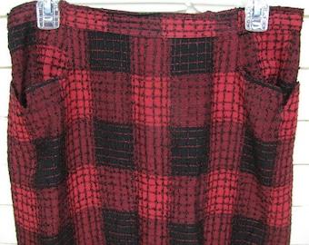1950's Black & Red BumpyRayon A-Line Skirt waist size 31''