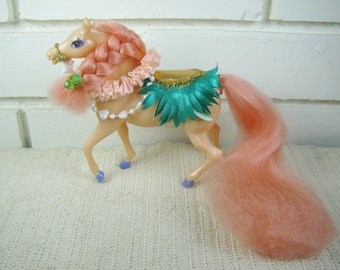 1987 Enchanted Kingdom Fairy Tale Princess peach plastic horse