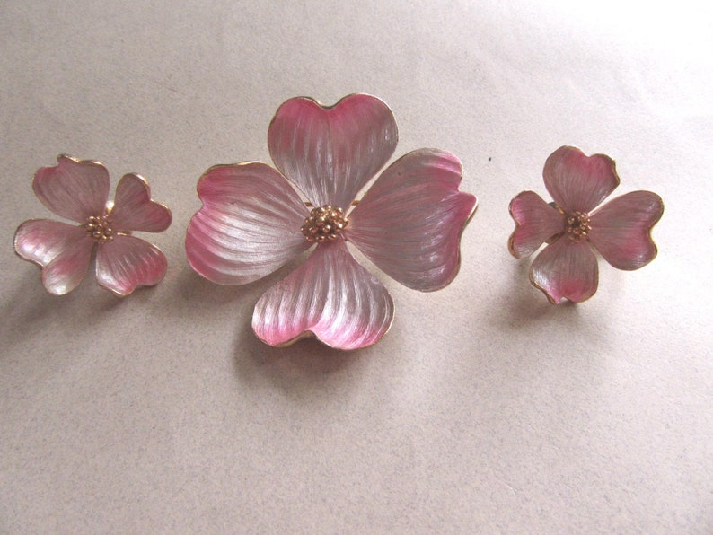 Pink Dogwood Flower Pin and Clip On Earrings Set Vintage Costume Jewelry Spring Summer Brooch MoonlightMartini