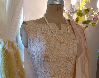 1950s Formal Peach Ecru and Gold fine net pleating Detail 50s Prom Special Occasion Grace Kelly Lace Overlay Small X Small
