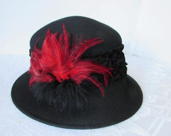 Hat Womans Vintage Wool Cloche Hat Red Feather High Fashion Winter Scala/costume
