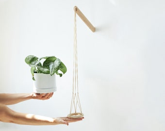 Hanging planter with natural thread, wall planter, indoor plant hanger B