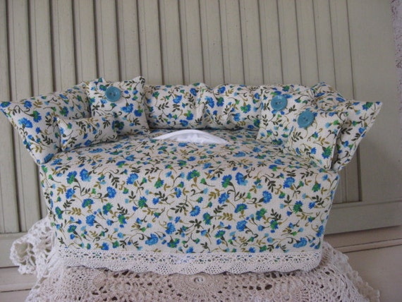 Swell Couch Tissue Box Cover Mini Couch Light Ivory With Small Blue Green Aqua Floral Print Aqua Buttons Home Decor Bathroom Decor Bedroom Decor Evergreenethics Interior Chair Design Evergreenethicsorg