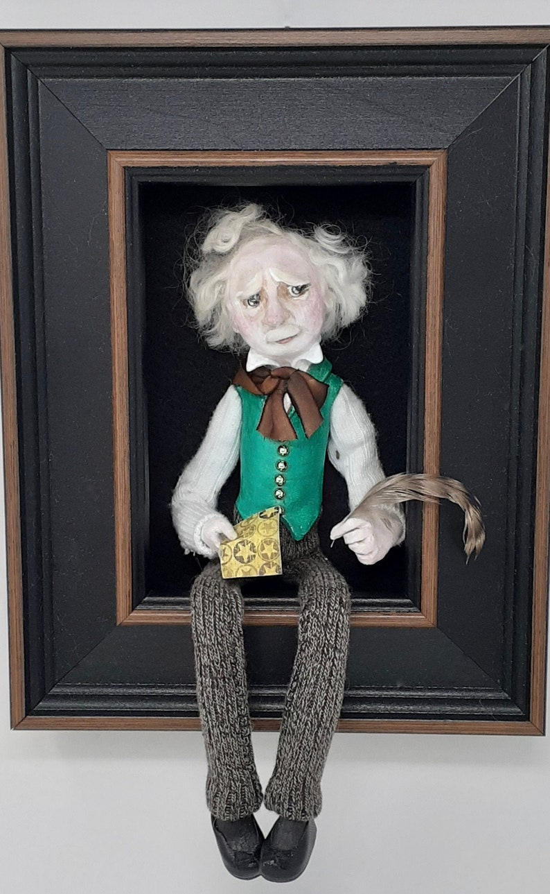 Mark Twain-sculpted figure/doll in shadowbox image 0