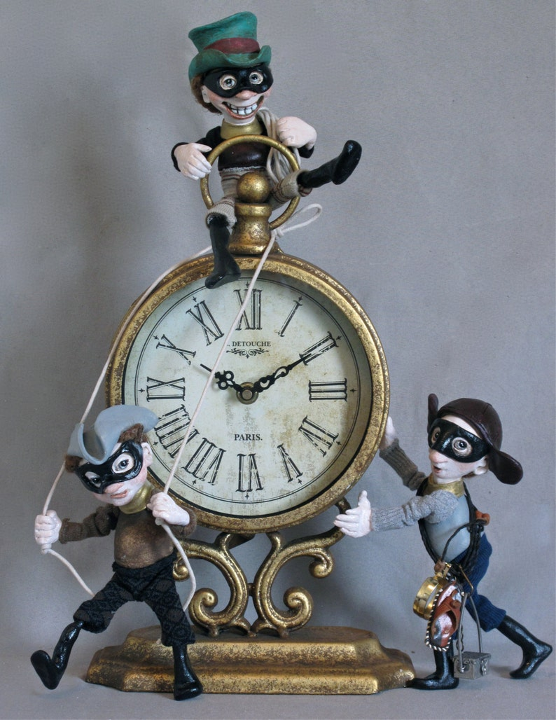 Time Bandits-clock with sculpted dolls/figures image 0