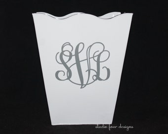 Personalized - Monogrammed Scalloped Trash Can/Waste Can | Dorm Room decor | Decorate your Dorm Room | Metal Trash Can | Powder Room Decor