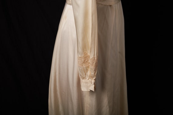 1940s Bridal Satin Robe Dressing Gown - image 5
