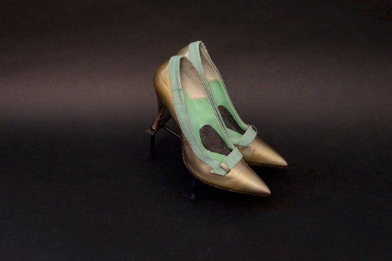 1960s Deadstock Gold and Green Linen Pumps Heels S