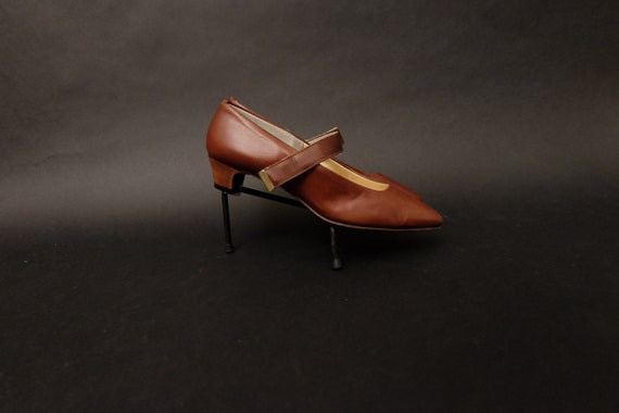 1960s DEADSTOCK Pappagallo Brown Leather Mary Jane
