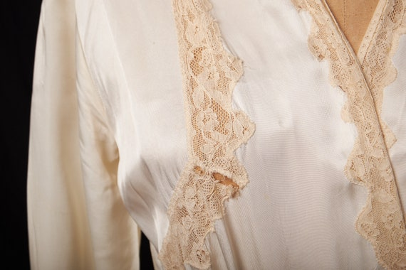 1940s Bridal Satin Robe Dressing Gown - image 6