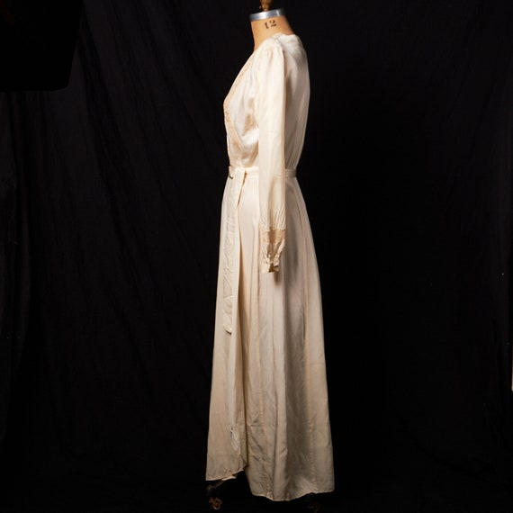 1940s Bridal Satin Robe Dressing Gown - image 2