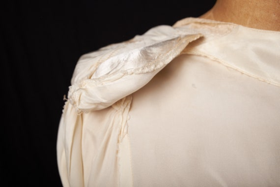 1940s Bridal Satin Robe Dressing Gown - image 10