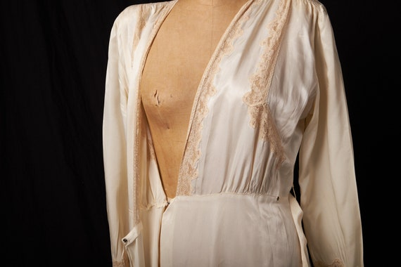 1940s Bridal Satin Robe Dressing Gown - image 9