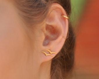 Gold Bird Studs, Flying Bird Earrings, Small Bird Posts, Second Hole Earrings, Bird Jewelry, Sparrow Earrings, Sparrow Studs, Women Earrings