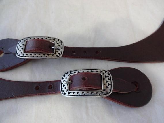 Pair Burgundy Latigo Leather Spur Straps Punchy Engraved Buckles Mens Horse Tack
