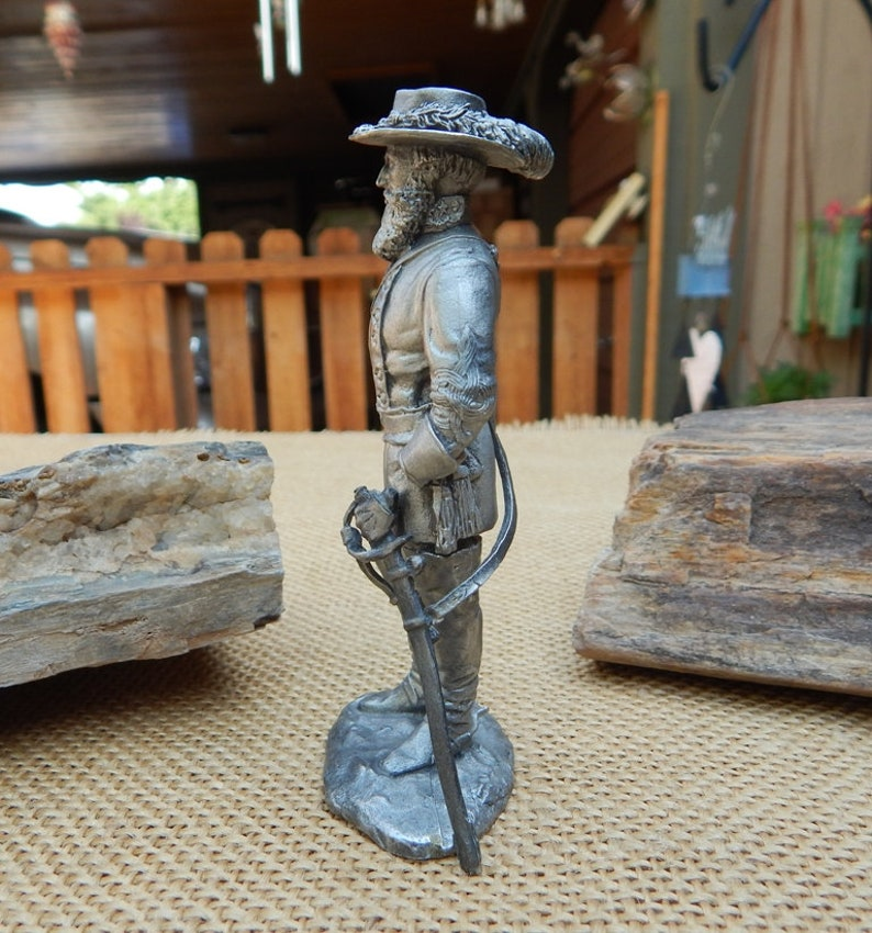 Pewter Musketeer Figurine    1971 Superior Model Inc Figurine #1722    Musketeer or Cavalier Soldier    Soldier Figurine   FREE SHIPPING
