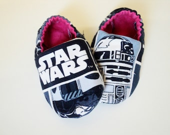 Star Wars Baby Shoes, Baby Girl Or Baby Boy Booties, Newborn Crib Shoes, Geek Baby Gift, Slippers, Baby Shower, Nerd, Star Wars Baby Gift