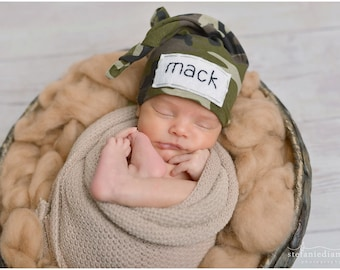 8b5065153 Baby knot hat | Etsy