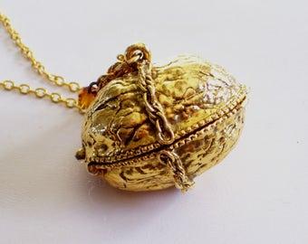 Walnut Locket, Vintage Locket, Walnut Perfume Locket, Perfume Pendant Necklace, Rare Vintage Gold Plated Walnut Nut Perfume Locket Pendant