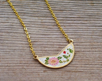 Floral Bib Necklace, Pink Red Flowers, Vintage Enamel Pendant, Floral Necklace, Layering Necklace, Minimalist Necklace, Mother's Day Gift