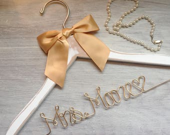 Custom Wire Hanger, Wedding Hanger, Name Hanger, Bridal Hanger, Wire Hanger, Personalized Hanger, Bridal Shower Gift, Wedding Dress, 11