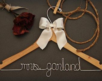 Custom, Engagement Gift, Flower Girl Dress, Personalized Gift, Wedding Hanger, Baptism Gift, Graduation, Bridesmaid Gift Box, Bachelorette