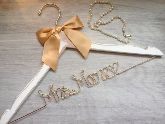 Bridal Shower Gift Custom Wedding Wedding Hanger Bridesmaid Gift Maid of Honor Gift Wire Name Hanger Engagement Gift Bridesmaid Dress