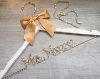 Bridal Shower Gift, Wedding Hanger, Mrs Hanger, Bride Hanger, Gift for Her, Gift for Bride, Bachelorette, Shower Gift, Wedding Dress, Bride