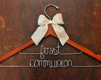 Wedding Dress, Wedding Hanger, Bridal Hanger, Wedding Dress, Personalized, Flower Girl Gift, Wedding Sign, Bridesmaid Box, Bridesmaid Gift