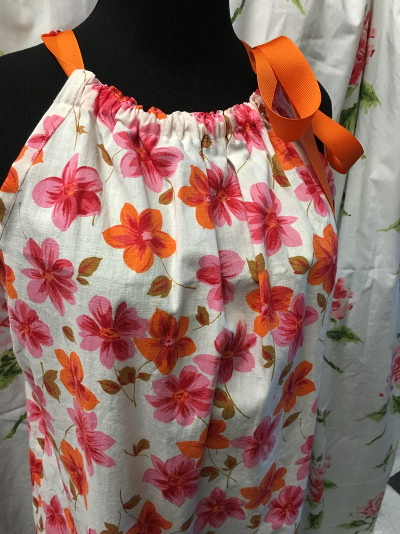 repurposed Altered couture Boho Gypsy women/'s pinafore vintage pink  dogwood 1960 linens small medium summer cotton peasant hippie blouse