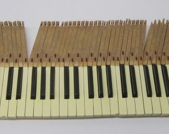 Lot of 88 Complete Salvaged Upright Piano Keys Keyboard White & Black Art Craft Jewelry Making J15