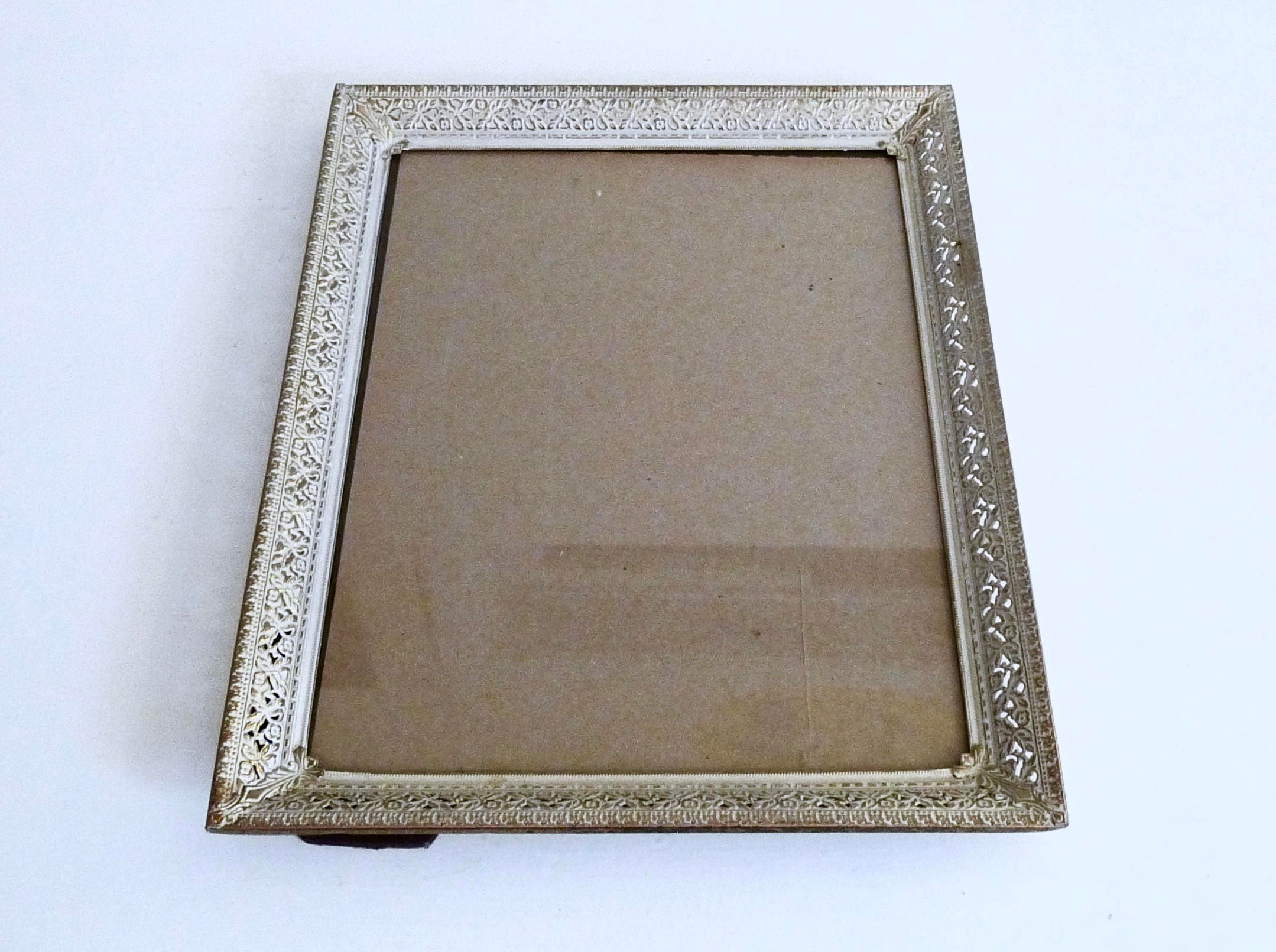 Vintage 11x14 Picture Frame 11 X 14 Antique Gold Metal Embossed