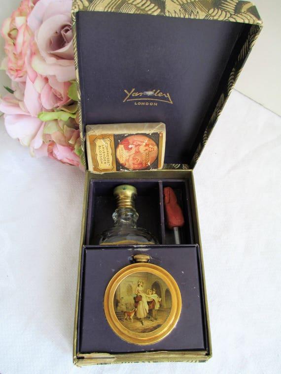 Very rare vintage Yardley vanity set